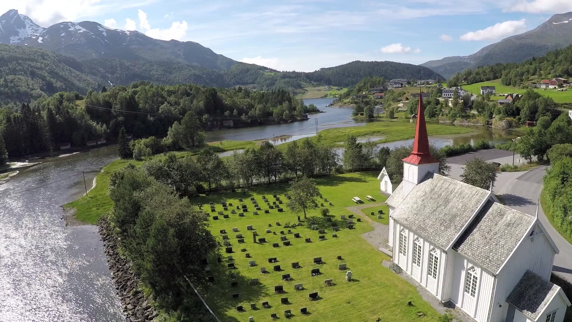 Austefjord kyrkje hadde sitt første liv som Nes kirke