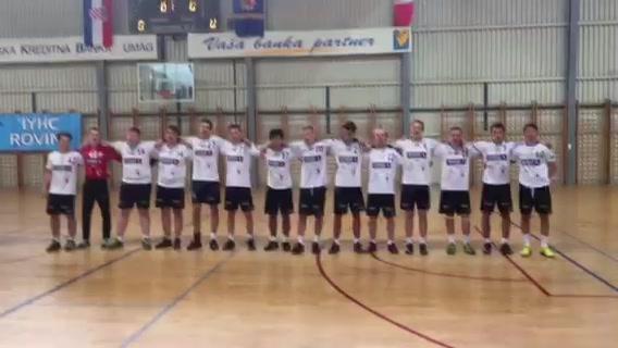 Handballgutane syng Ja, vi elsker i Kroatia
